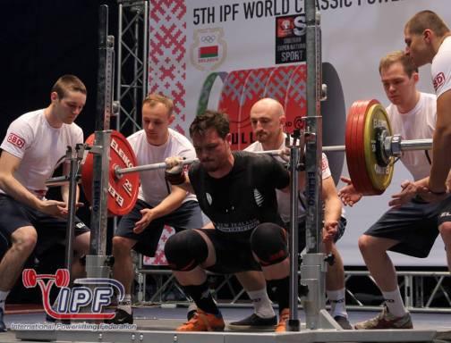 In the hole squatting 212.5 kg